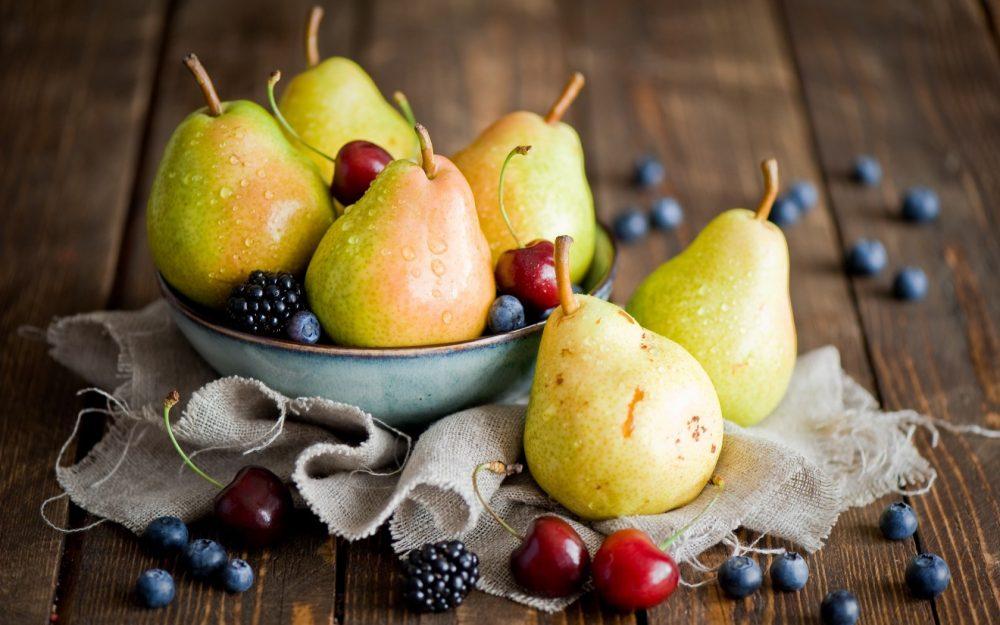 6819306-pears