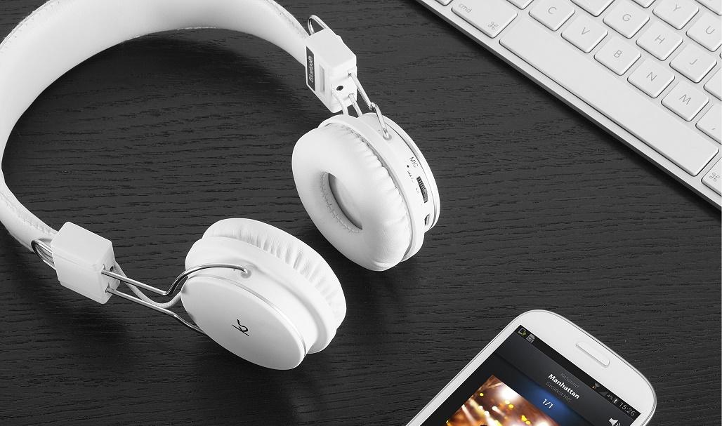 earn-money-listening-to-music