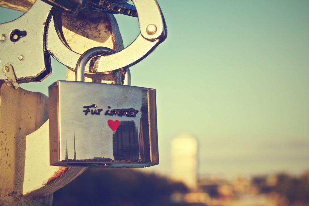 german-love-padlock