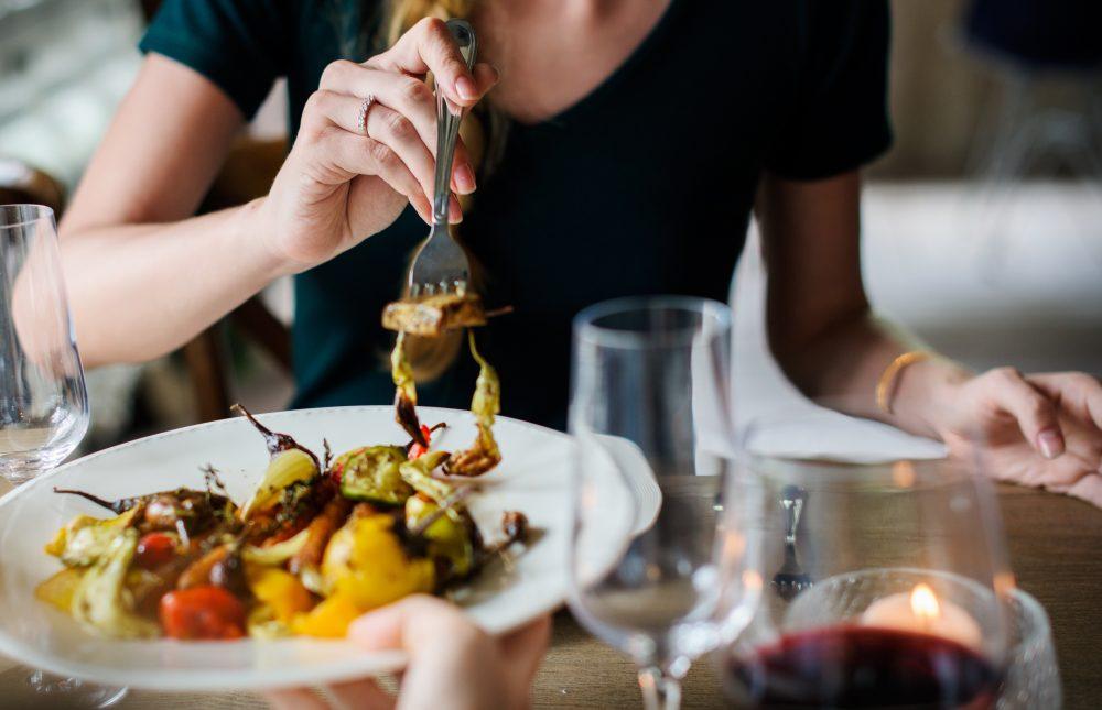 alcohol-blur-cuisine-390403