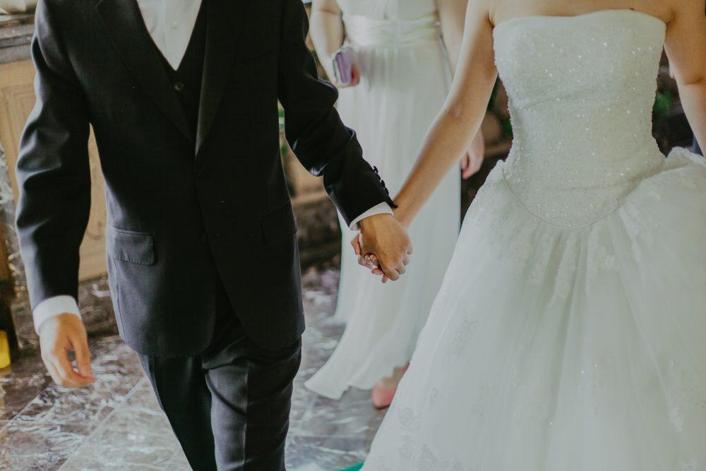 adult-bridal-bride-1043902