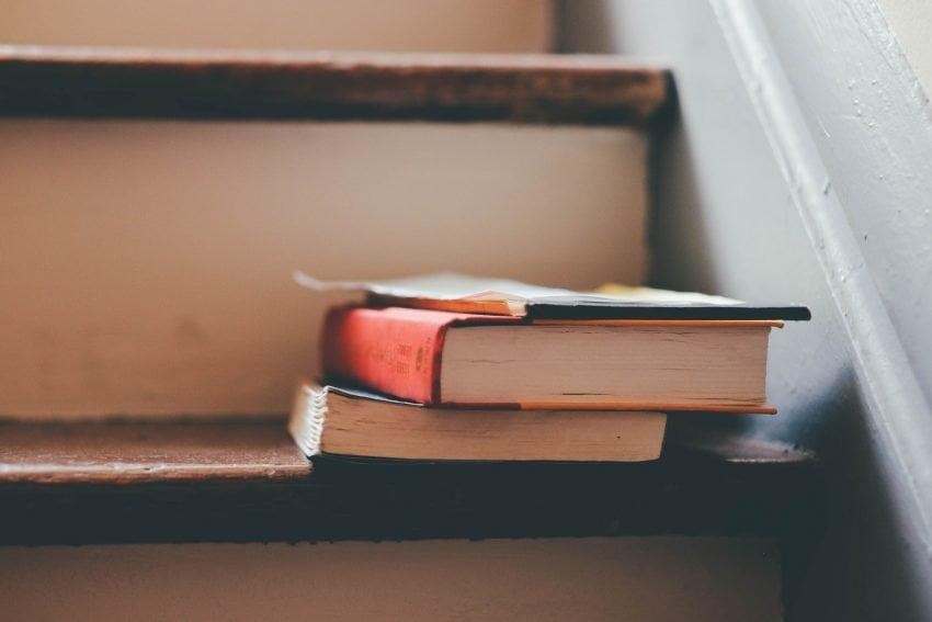 books-education-indoors-159675
