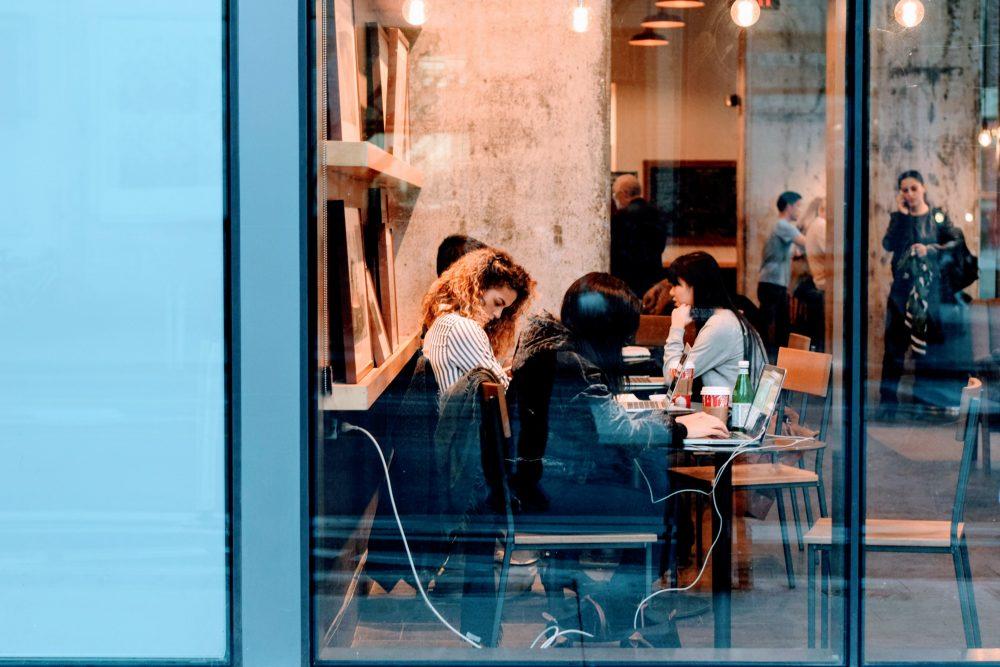 adult-bar-cafe-city-240223