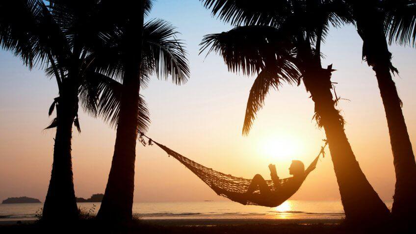 00-MAIN-relax-on-the-beach-848x477